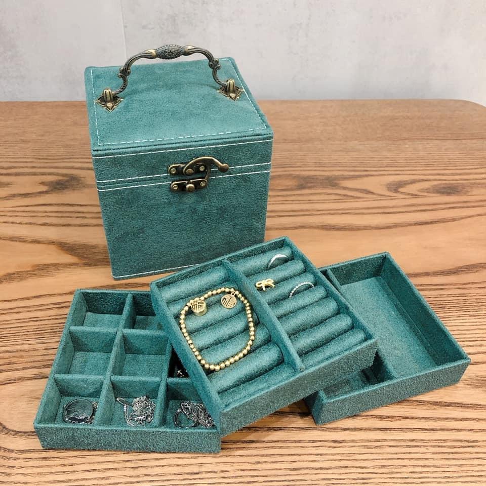 【預購】女孩的寶物盒子.精緻便攜款麂皮絨飾品盒珠寶盒~2色