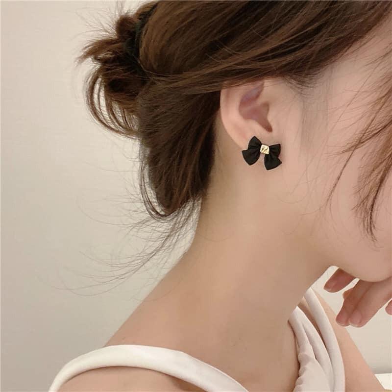 【預購】赫本風.法式蝴蝶結耳環~2色(耳針、耳夾款都有)