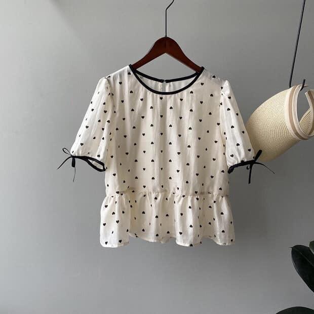 【預購】法式設計款.立體絨面小愛心襯衫上衣