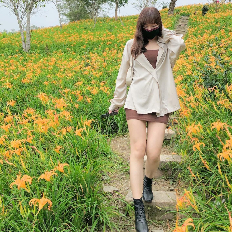 【預購】東大門款.質感知性女子 包臀吊帶洋裝+微緞面襯衫 套裝~2色