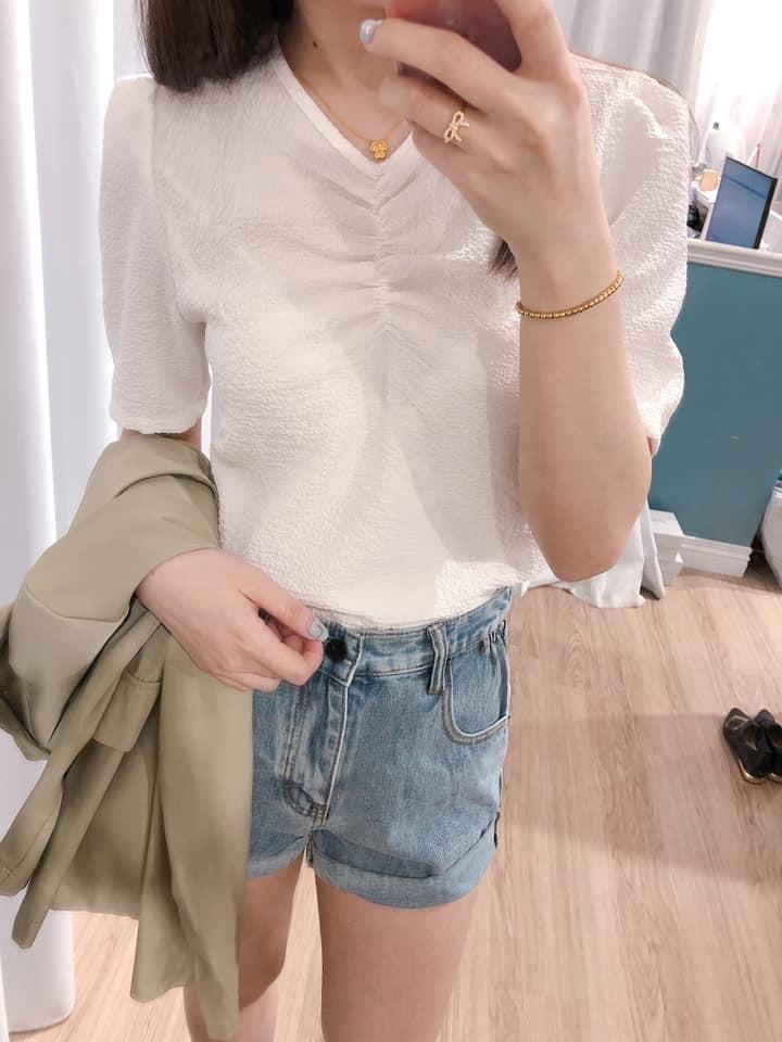 【預購】法式質感皺皺小V領襯衫~4色