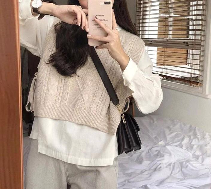 【預購】溫柔女子專用.簡約白襯衫+杏色麻花織紋短款背心套裝(兩件需分開購買)