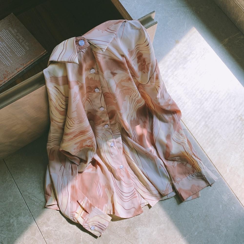 【預購】也很小眾的~溫柔文藝風 粉棕色系水墨襯衫上衣
