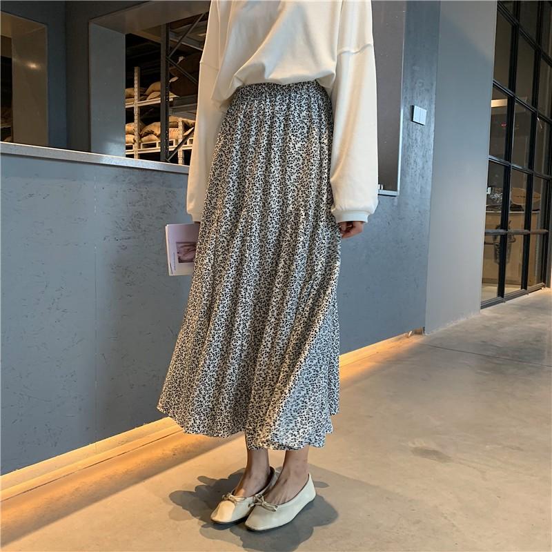 【預購】用料很足!大裙擺 顯瘦碎花半身裙~2色
