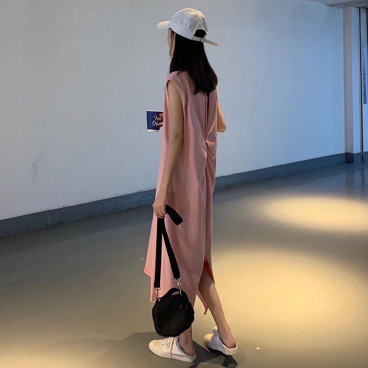 【預購】簡約款扭結露背無袖長洋裝~2色