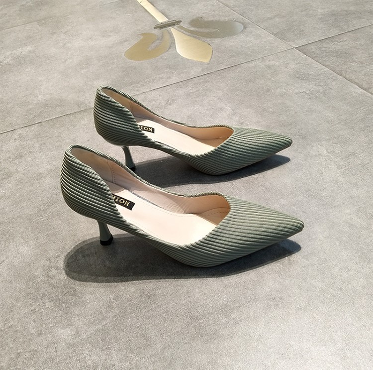 【預購】質感暖心限定.燈芯絨側挖空跟鞋~3色