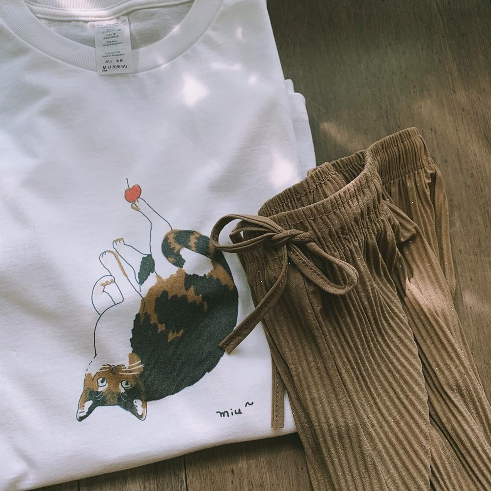 【預購】手繪貓咪Tee + 質感微閃坑條薄款寬褲套裝(兩件需分開購買)