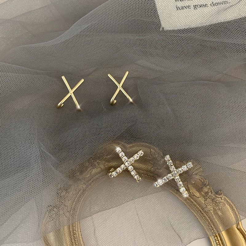【預購】宣告.法式質感鋯石十字925銀針耳環~2款