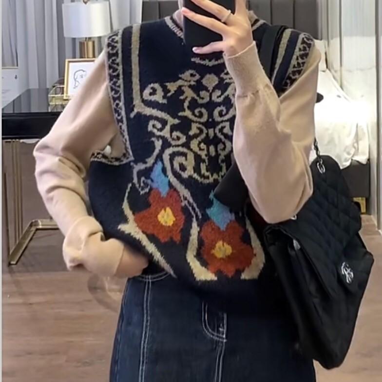 【預購】質感大牌風.微復古 高級訂製 雙面緹花針織背心~3色