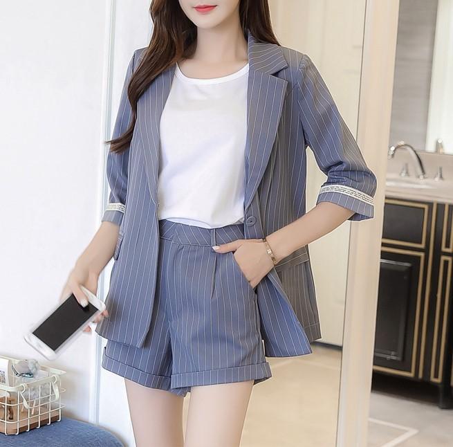 【預購】給熱天還要常常穿西裝的妳.七分袖條紋西裝外套+短褲套裝~4色(S~XL)
