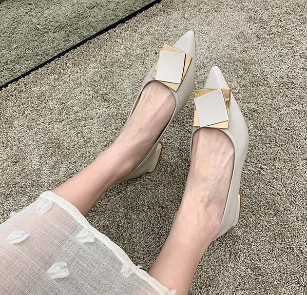 【預購】知性女子專用.金屬方塊 超軟底 百搭好走的小皮鞋~3色(34~40)