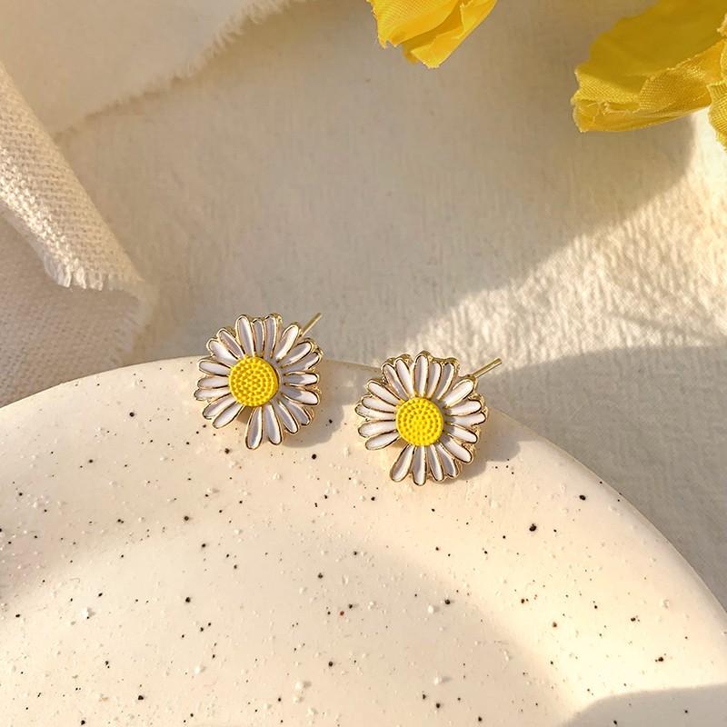 【現貨】不規則的生動小雛菊金屬925銀針耳環
