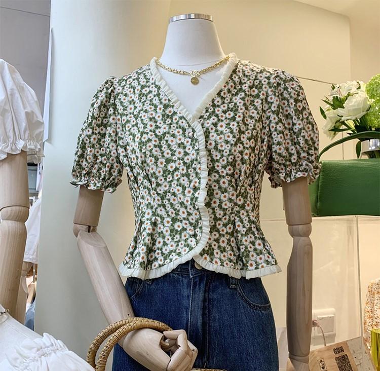 【預購】東大門款.微立體木耳邊 設計款碎花短袖襯衫~5色