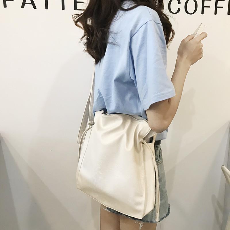 【預購】有點可愛!韓東大門抽繩單肩水桶包~2色