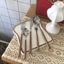 【預購】韓風質感餐具.仿木柄 304不銹鋼餐具組(五隻可分開購買)
