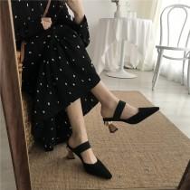 【預購】歐美復古一字帶造型跟鞋~2色