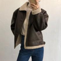 【預購】甜美搖滾.微復古羊羔毛拼接皮衣外套~2色