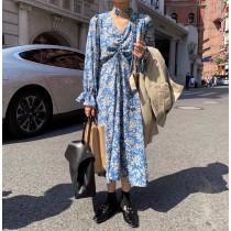 【預購】約會裙!浪漫復古風 baby藍 抽繩設計碎花洋裝(S-4XL)