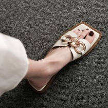 【預購】歐美風.率性金屬環 方頭一字拖鞋~2色(35~40)