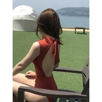 【預購】名媛風後挖空綁帶連身泳衣