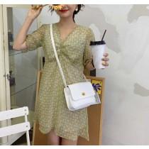 【現貨】韓溫柔風設計款碎花V領短洋裝
