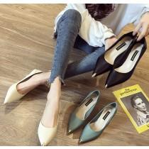【預購】百搭款俐落感金屬裝飾尖頭高跟鞋~3色