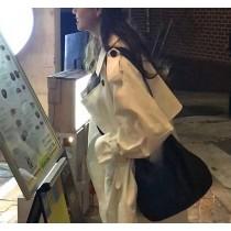 【預購】韓IG 俏皮女子的米白色長風衣