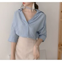 【預購】法式小性感.純色V領五分袖襯衫上衣(附贈同款頸鍊)~2色