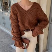 【預購】法式設計款V領麻花紋前短後長毛衣~2色
