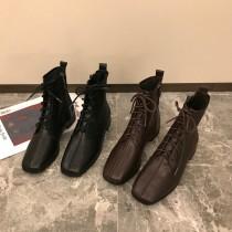 【預購】英倫復古風微方頭低跟綁帶馬丁瘦瘦靴~2色