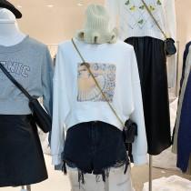 【預購】東大門款.輕設計 縫線珍珠短版大學Tee