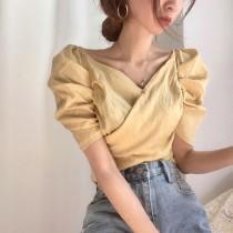 【預購】歐膩的衣櫃.超顯瘦V領泡泡袖襯衫上衣~2色