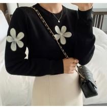 【預購】法式優雅風.花朵刺繡針織上衣