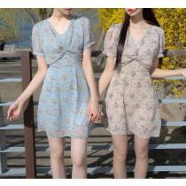 【預購】韓 浪漫色系交叉設計碎花短袖雪紡洋裝~2色
