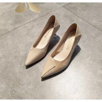 【預購】質感設計款.絨面拼接軟皮尖頭高跟鞋~2色