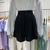 【預購】東大門款.後鬆緊設計 A字寬褲腿 西裝短褲~2色