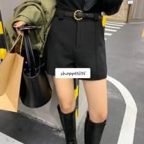 【預購】知性女子必備!質感挺版西裝短褲~2色