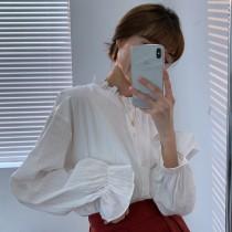 【預購】四季可穿款!可單穿可內搭的木耳邊 暗紋理白襯衫