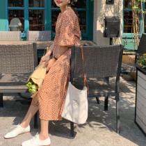 【預購】法式簡約小碎葉修身洋裝~2色