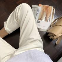 【預購】韓IG部落客人手一條的白色牛仔褲