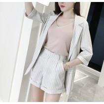 【預購】韓風條紋西裝外套短褲兩件組~2色