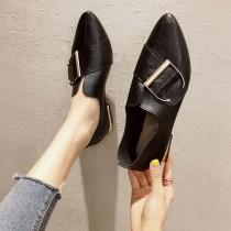 【現貨】四季可穿的.百搭款金屬扣環尖頭工作小皮鞋(黑色35,建議平時34號可穿)
